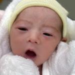 板野友美の子供の顔が可愛い!綺麗な二重で横顔がそっくりと話題!